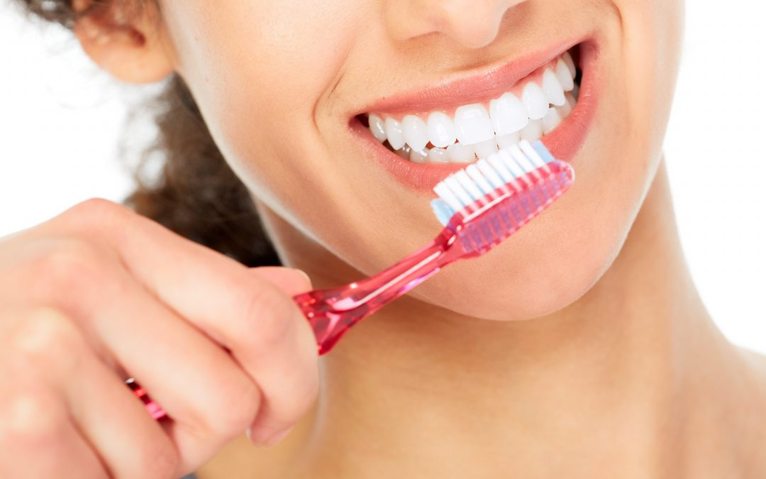 ¿Cómo cepillarse los dientes con ortodoncia?